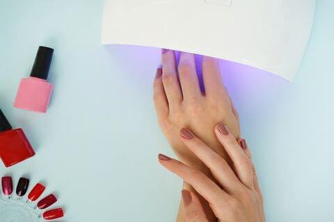 manicure-smalto-semipermanente-firenze